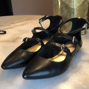 NWOT. Christian Soriano flats